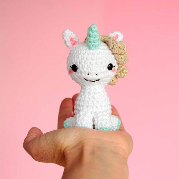 Grande licorne au crochet