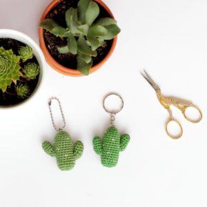 porte clés cactus au crochet