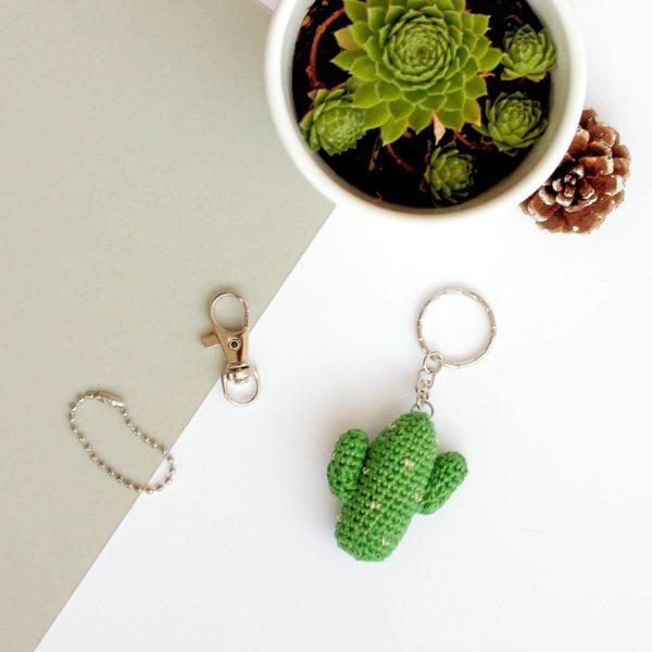 porte clef cactus au crochet