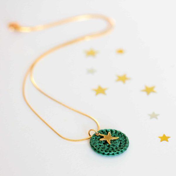 collier étoile au crochet