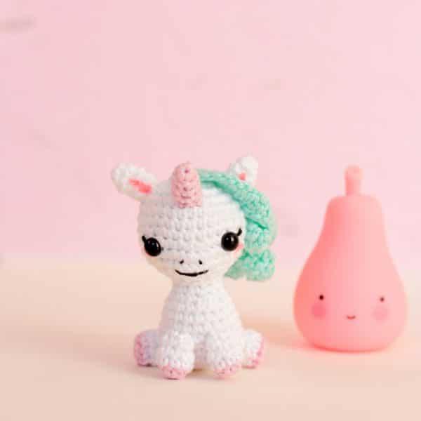 licorne miniature au crochet