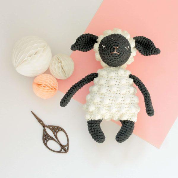 Amigurumi mouton
