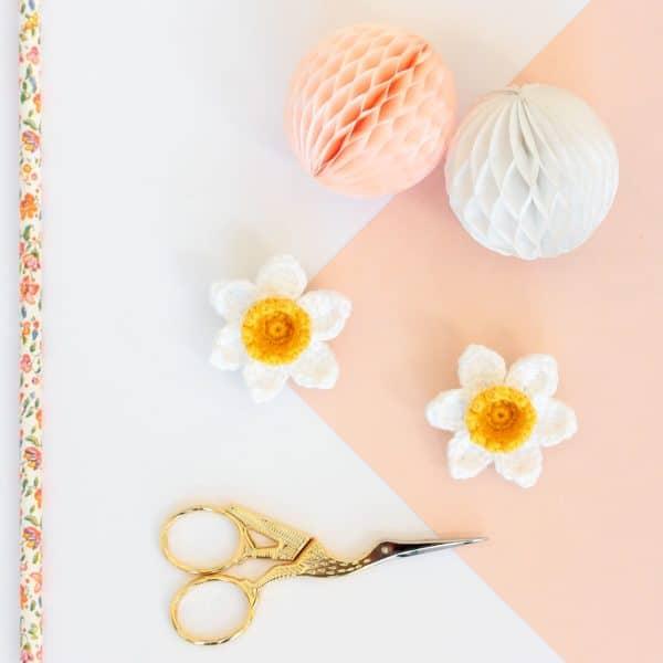 Broche fleur crochet